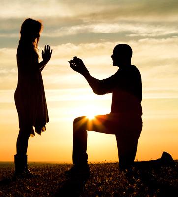 boy proposing a girl